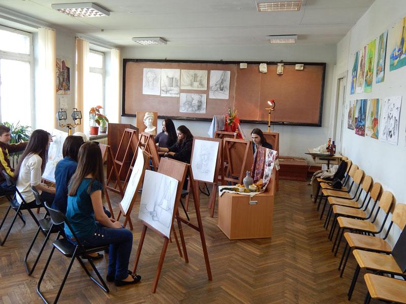 Дизайн детской комнаты для девочки-подростка школьного